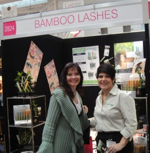 Sharon agrees to take the Bamboo Lashes 8 week trial!
