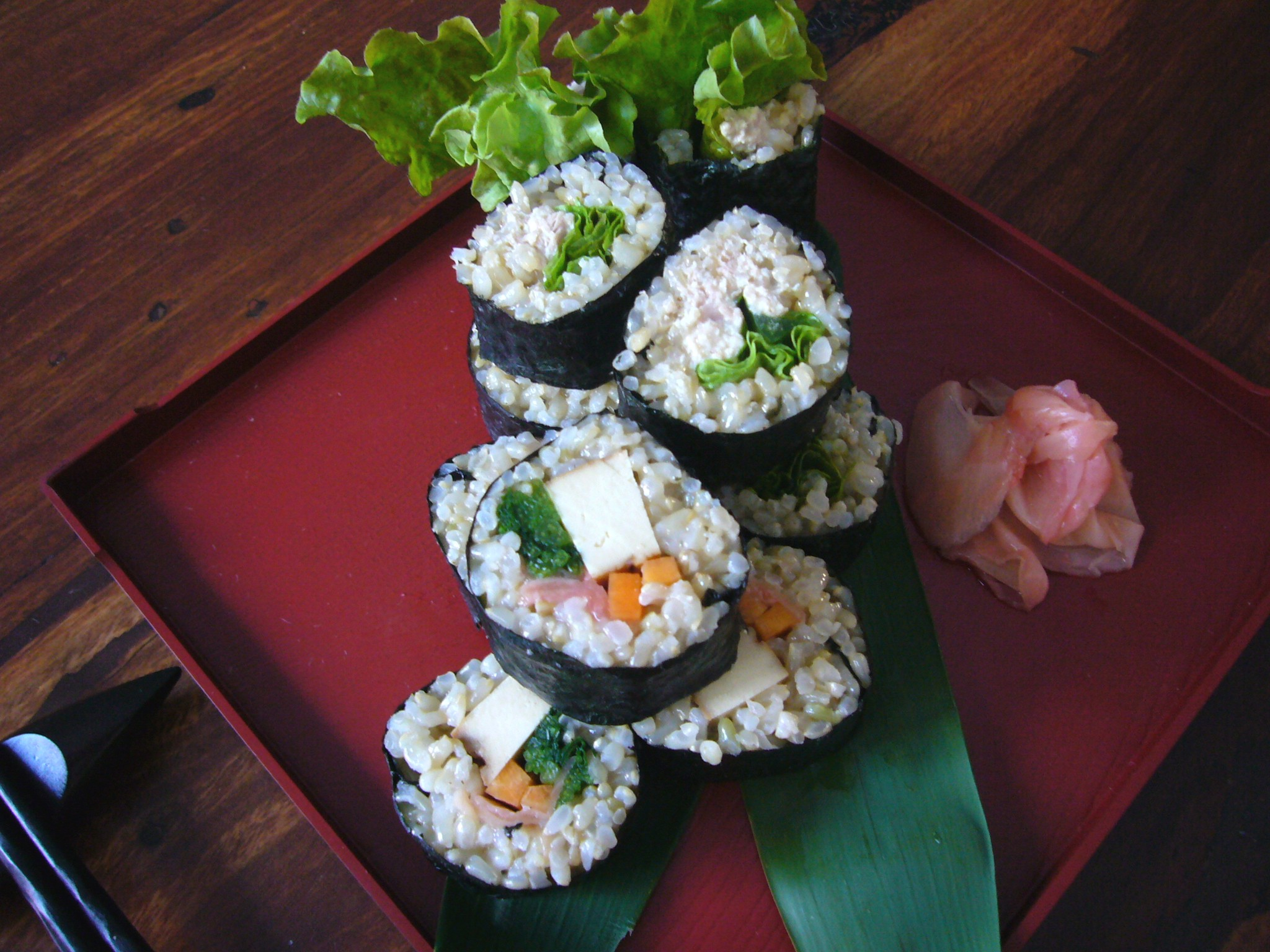 brown nori roll